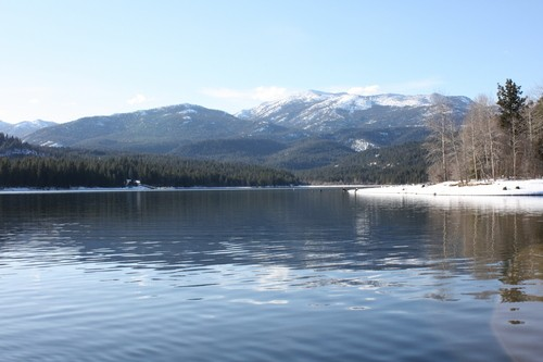 Lake Siskiyou on a sunny Winter day